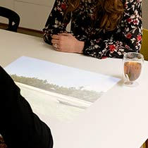 Fotos auf den Tisch beamen