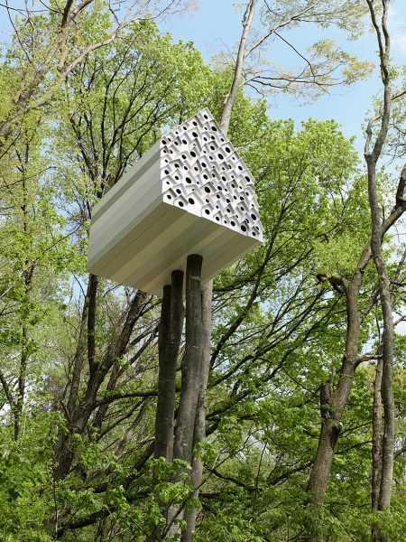 Vogelhaus Baumhaus mit Einschlupflöchern