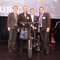 Übergabe Hauptpreis E-Bike
