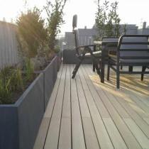 Dachterrasse mit Holzboden