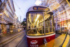 Blick auf Straßenbahn nach Döbling