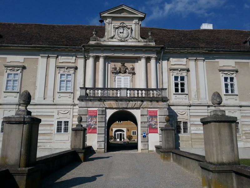Schlosswohnung mit Gartenbenützung und Gewölbekeller