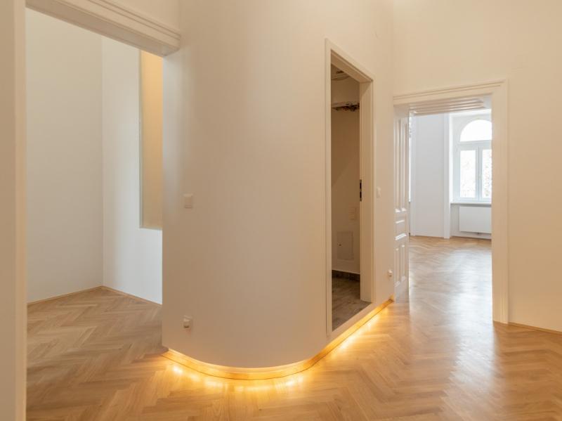 Elegante Wohnung nach stilvoller und nachhaltiger Erneuerung zu verkaufen