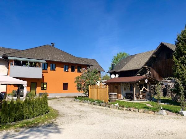Altes Sacherl und neues Wohnhaus /  / 4850Timelkam / Bild 1