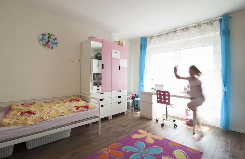 Geräumiges Einfamilienhaus, vollunterkellert mit Terrasse und Eigengrund samt 2 Parkplätzen /  / 2434Götzendorf an der Leitha / Bild 2