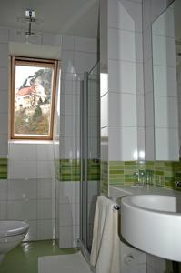 21 Zimmer Seminar Hotel 2008 saniert nur 45 Min. (70km) südl. von WIEN /  / 1140Wien / Bild 2