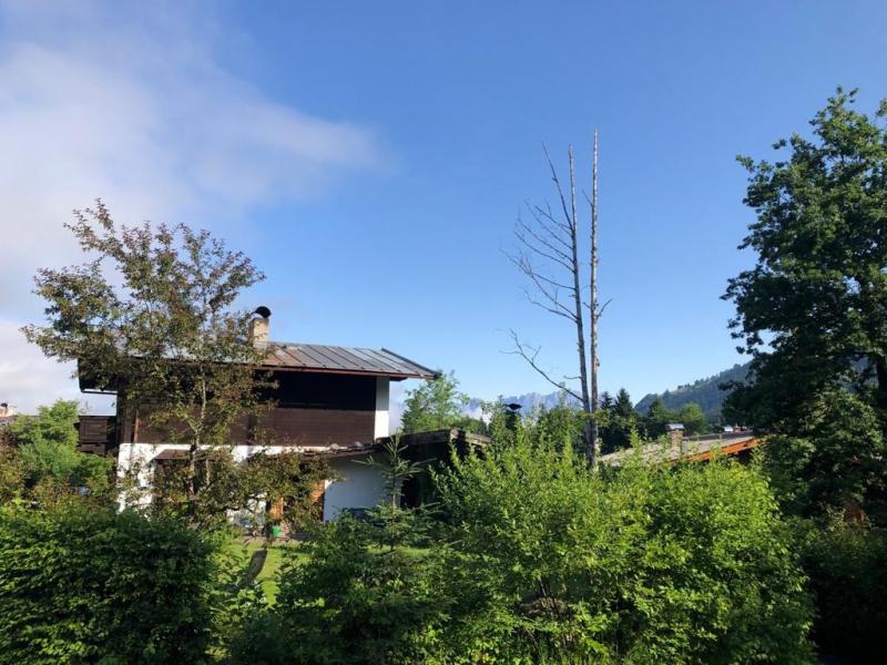 Exklusive Wohnlage – Südausrichtung – Traumhafter Blick: Grundstück mit Haus am Fuße der Bichlalm /  / 6370Kitzbühel / Bild 2