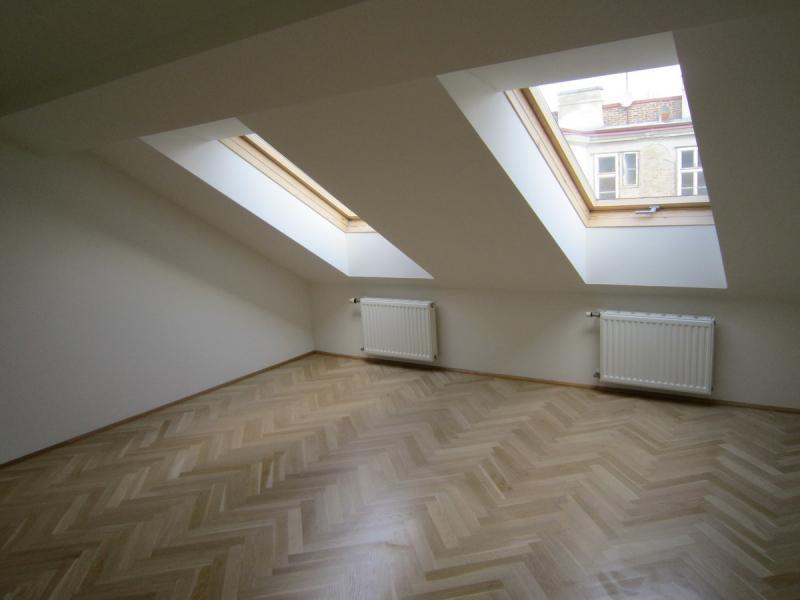 Freundliche Dachgeschosswohnung